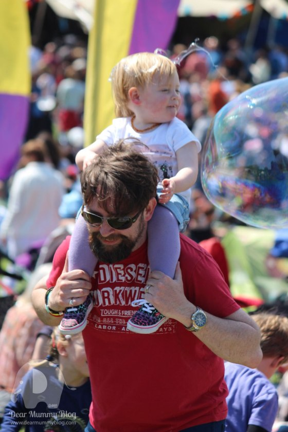 Giant bubbles at Funk the Family