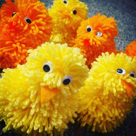 How to make pom-pom chicks