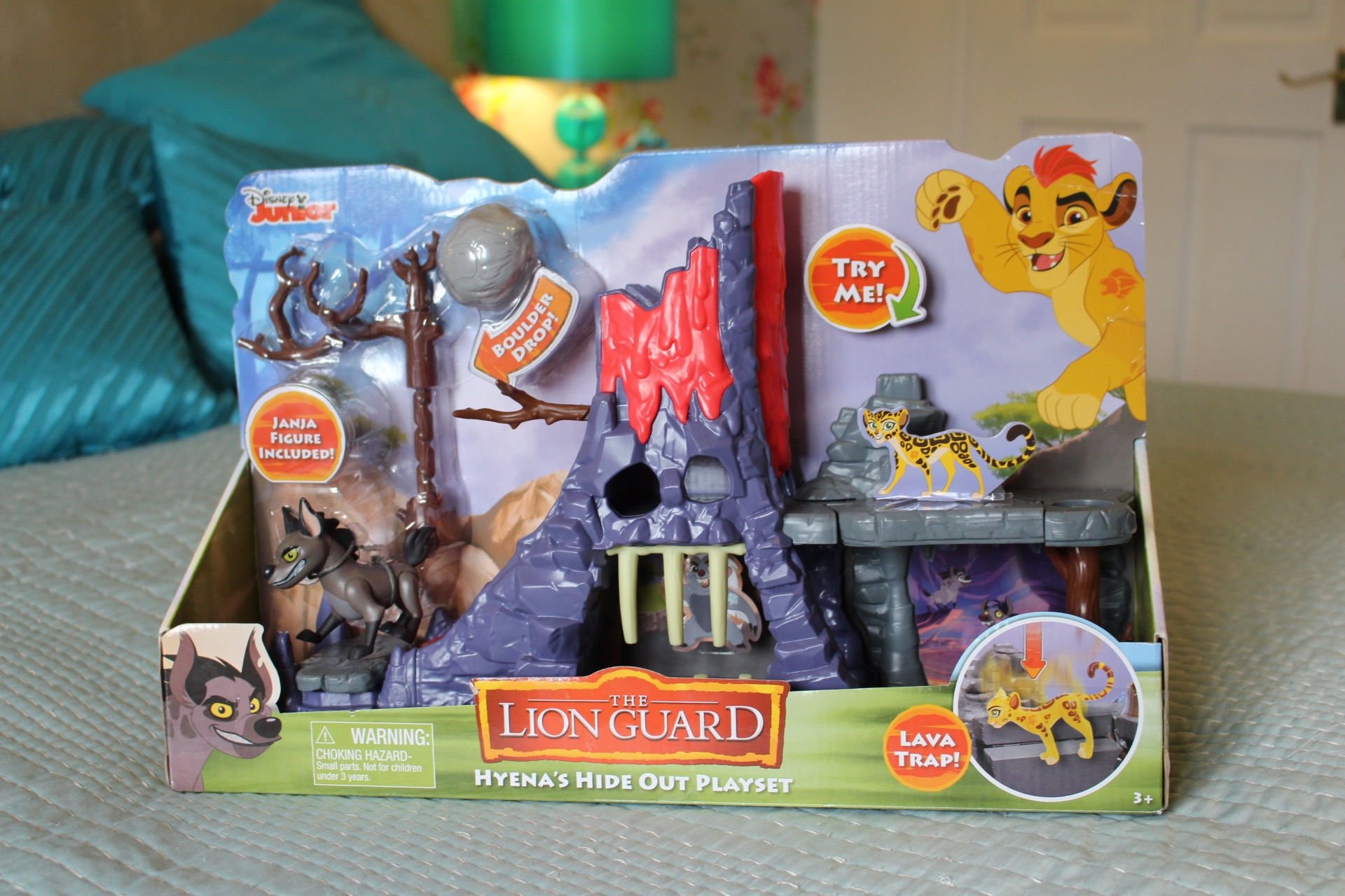 Disney Lion Guard Hyena Hideout Playset