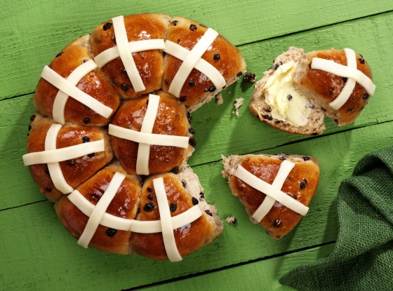 Tear and Share Hot Cross Buns