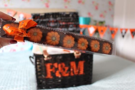Halloween Pumpkin Praline Stick Pack
