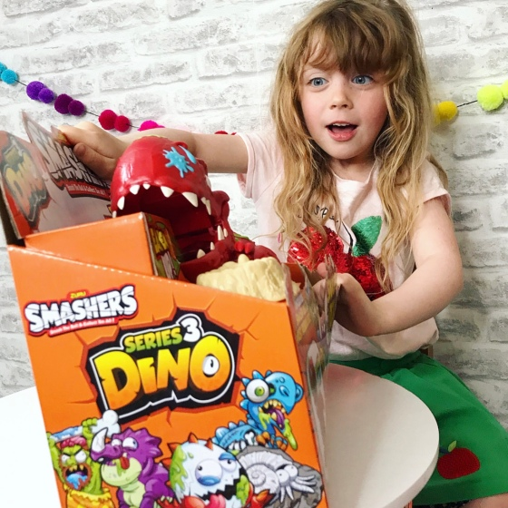 Smashers Dino Eggs Review 3